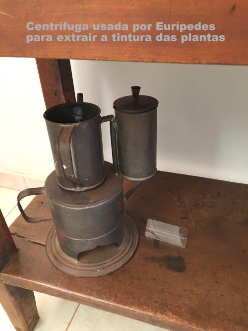 Centrífuga usada por Eurípedes para extrai a tintura das plantas1
