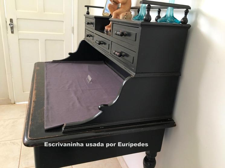 Escrivaninha usada por Eurípedes1